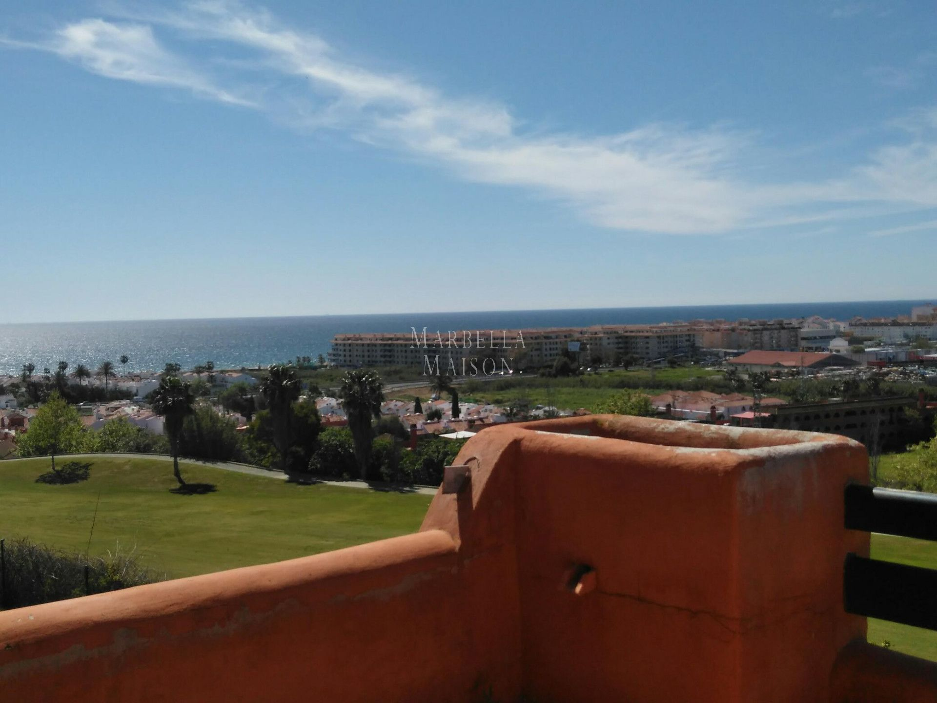 Ground floor apartment with ample terrace in Casares