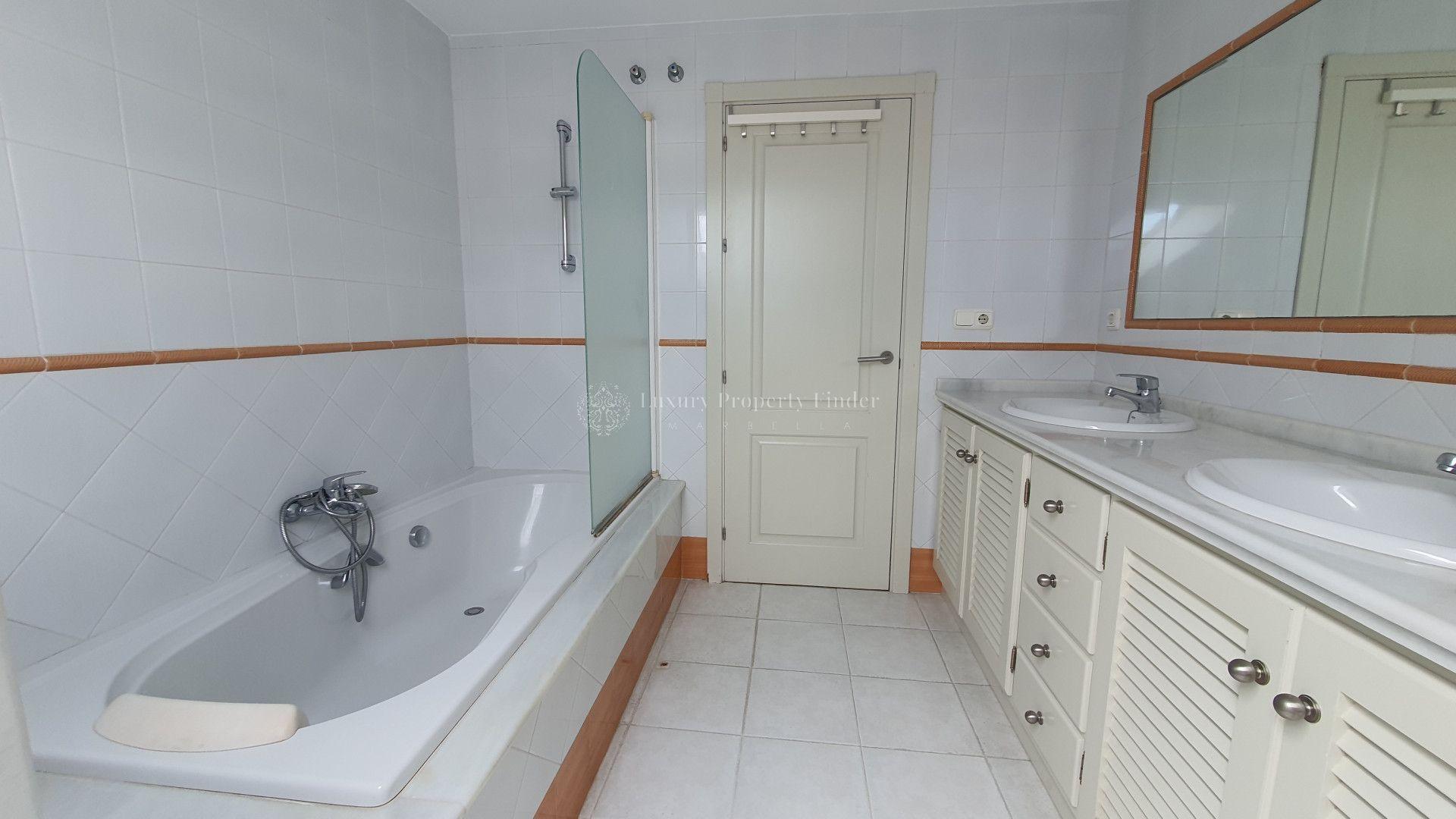 Penthouse for sale in <i>Marbella Centro, </i>Marbella