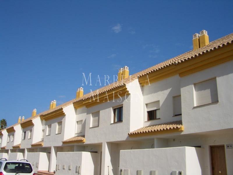 Large town house in the beach of La Borboleta, Manilva in Manilva